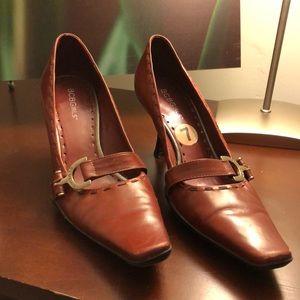 Gorgeous shoes 👠